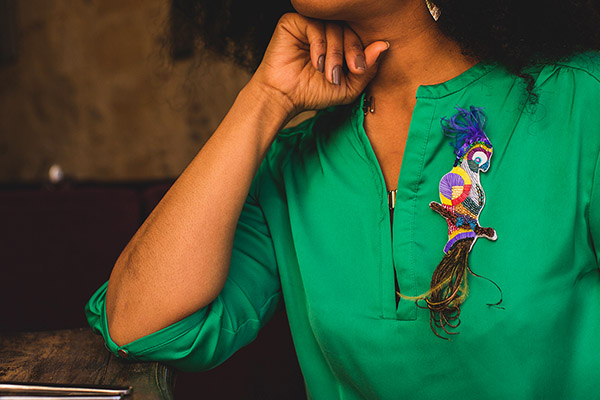 Amandine Bonneau_Meri li_Création_broche sur fond vert