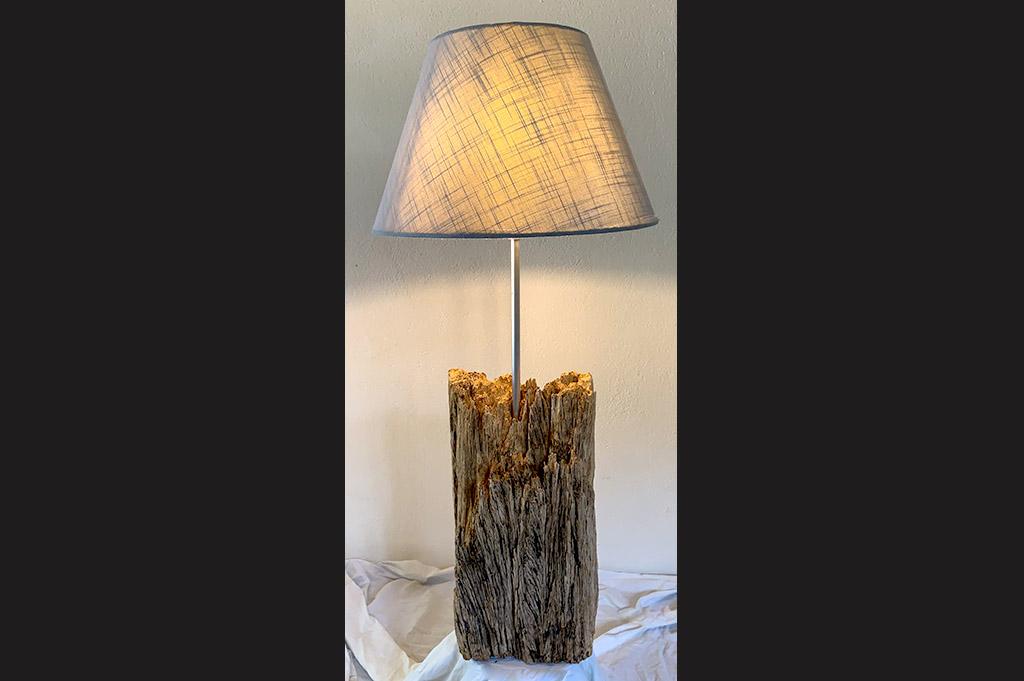 Daniel Van Doorslaer_Fabricant de luminaires_bois brut_1