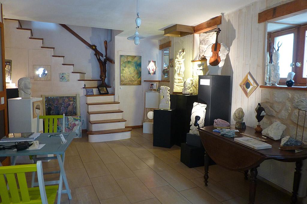 interieur-atelier-derzou-issigeac
